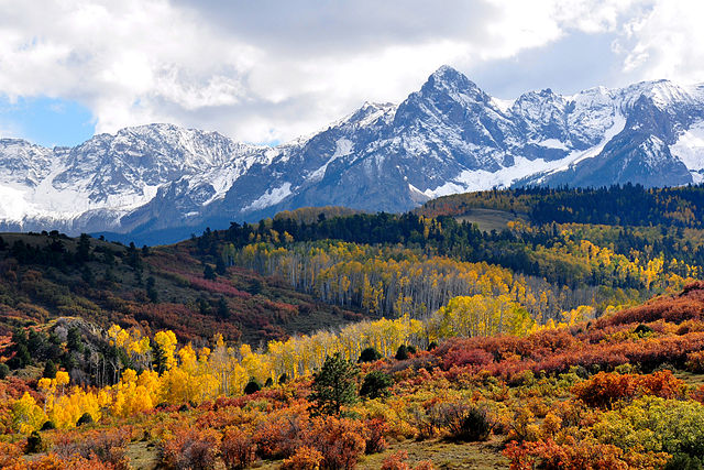 640px-Fall_colors_near_Ridgway,_Colorado